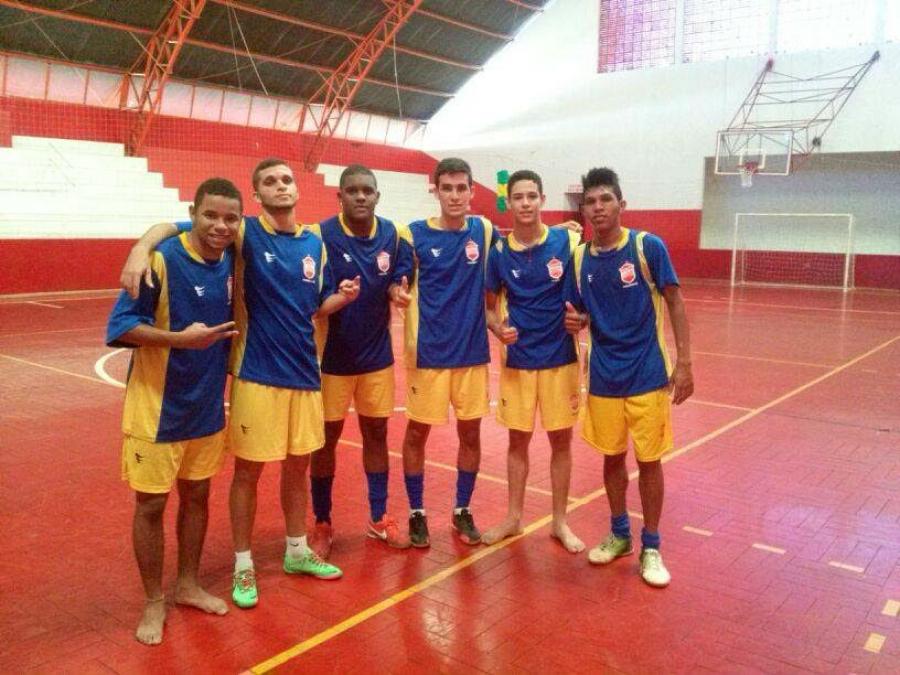 Jogadores de Futsal de Piraí treinam em Goiânia 37fee4bccc871